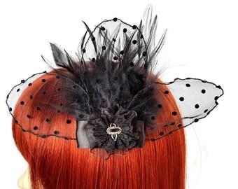 Gothic Headpiece mit Federn und Punktetüll