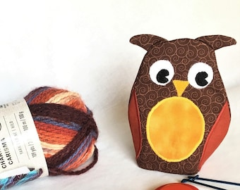 Brown Owl Shaped Small Zipper Pouch, Hoot Owl Knitting/Crochet Project Accessory Bag, Appliqued Owl Pouch, Keys and Coin Purse, Ear Bud Case