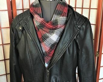 Scarf Wrap Black Red Grey Plaid, Warm Gator, Handmade Flannel Neck Cowl, Fashion Flannel Fleece Plaid Neck Warmers, Mand Women Neck Gator