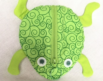 Zippy Zoo Green Frog Shaped Zipper Pouches, Unique Knitting/Crochet Project Accessory pouch, Child's Little Toys Bags, Key Ring Zipper Pull