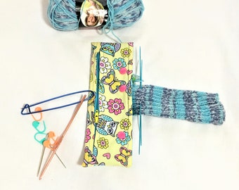 Secure and Easy Yellow Owl Print Needle Snapper, Circular or DPN Needles Project Holder, Snap Holder Zipper Pocket, Crochet Project Holder