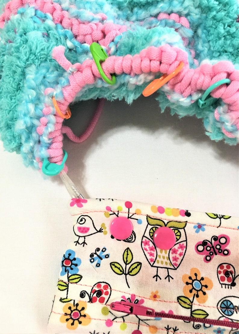 Circular or DPN Knitting Project Holder Little Owls Needle Snapper Snap Pocket with Zipper