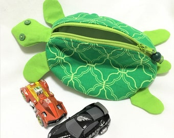Zippy Zoo Green Turtle Shaped Small Zipper Pouch, Green and Lime Quatrefoil, Knitting/Crochet Project Accessory Pouch, Coin, Ear Bud Pouch
