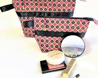 Handmade Quilted Pink Black Gold Cosmetic Pouch, Wedge Zipper pouch, Extended zipper open bag, Knitting Accessory Pouch, Travel Zipper Pouch