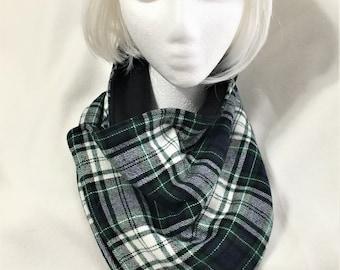 Warm Black White Plaid Neck Wrap, Cozy Soft Gator, Handmade Flannel Neck Warmer, Fashion Flannel and Fleece Neck Warmers, Neck Wrap Cowl
