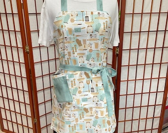 Everyday Kitchenware Reversible Apron Adult-Child Aprons, Teal Cooking, Kitchen Linen, Housewares, Holiday Gifts, Holiday Backing, 2 sided