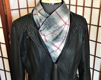 Warm Light Grey and Red Plaid Neck Wrap, Warm Gator, Handmade Flannel Neck Warmer, Fashion Flannel Fleece Plaid Neck Warmers, Neck Cowl
