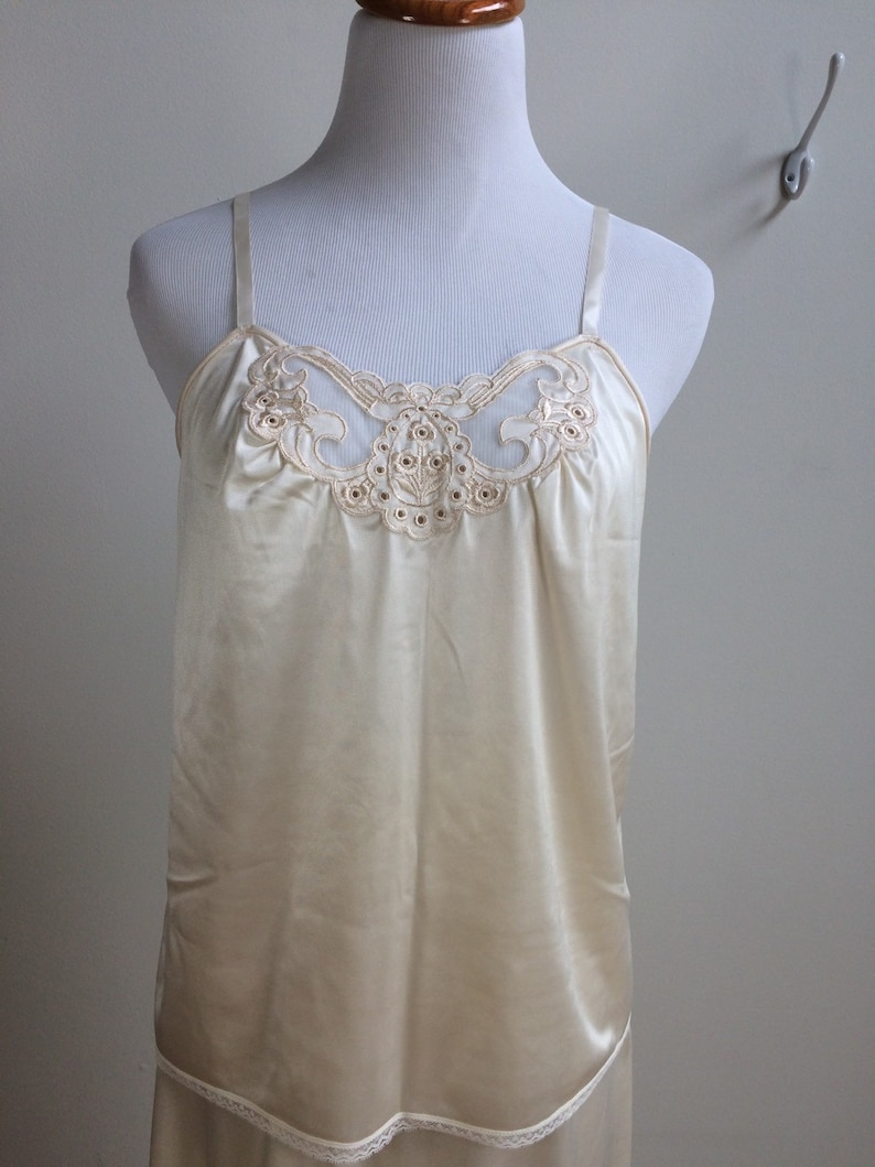 Cream Silky Slip Set with Applique from Montgomery Ward  Small  Medium