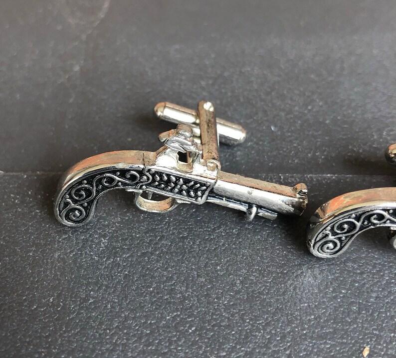 Vintage Anyiqued Silver-Tone Metal Ornate Pistol Gun Men/'s Cuff Links Cufflinks 2148