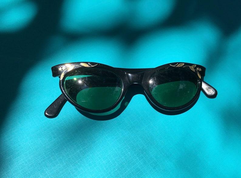 43ef8f2559 Las gafas de sol ojos de gato negro gafas de sol Vintage | Etsy