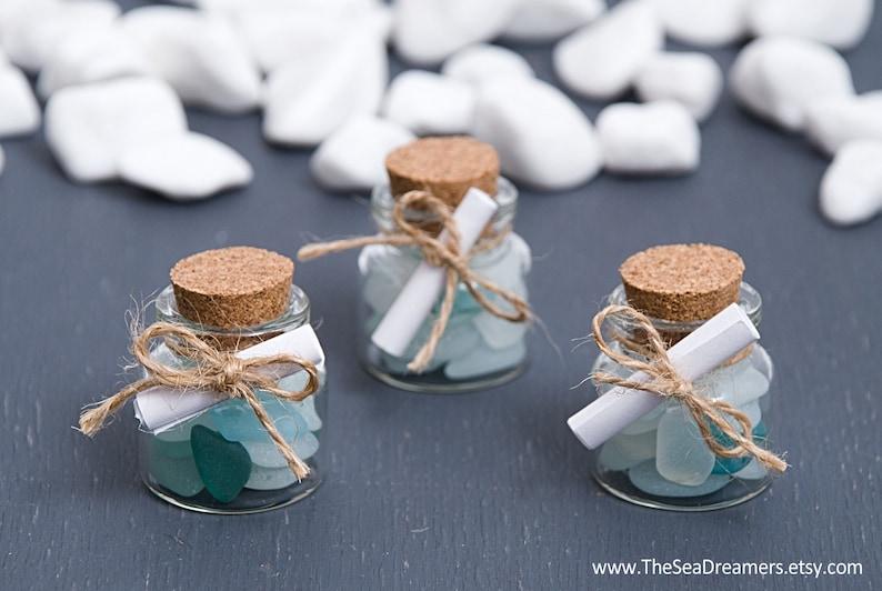 Een flesje met boodschap. Strand bruiloft gunsten. image 0