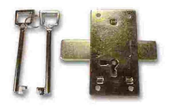 K41-L6 BRASS PLATED LOCKSET INCLUDES SURFACE MOUNT LOCK W//2 KEYS