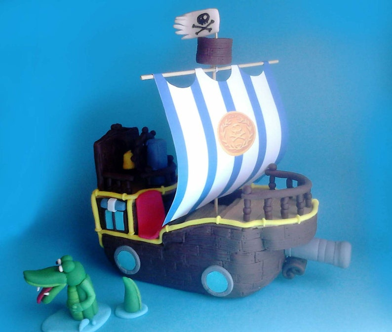 Fondant Pirate Ship Cake Topper 'Bucky' from Jake and | Etsy