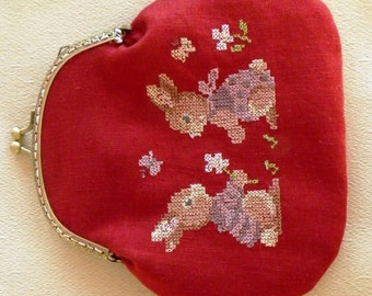 Small coin purse embroidered