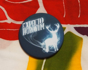 "Badge ""EXPECTO PATRONUM"" - HP / Harry Potter / Ron Weasley / Hermione Granger / Dumbledore / Voldemort"