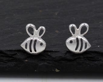 Sterling Silver Little Bumble Bee Cutout Stud Earrings, Cute Fun and Quirky Design  T50