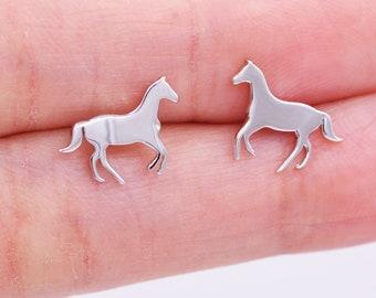 Sports Earrings Cowgirl Earrings Horse Dangling Earrings Kits Kiss Horse Earrings Gift for Horse Lover Horse Riding Earrings Horse Jewelry