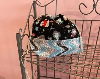Medium finch bag. Sheep fabric - black