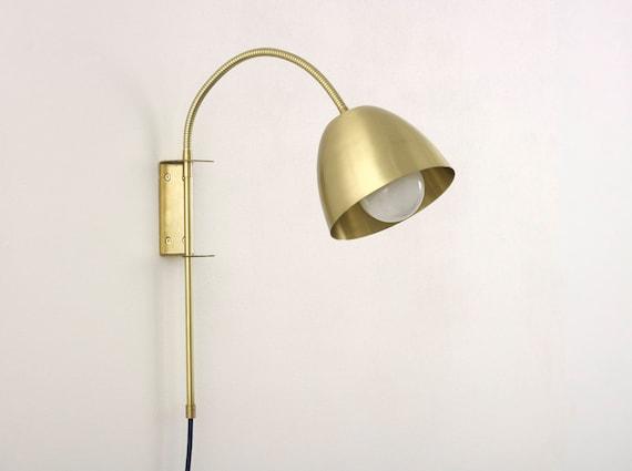 flexi hals wandlampe mit messing wandhalterung stecker und. Black Bedroom Furniture Sets. Home Design Ideas