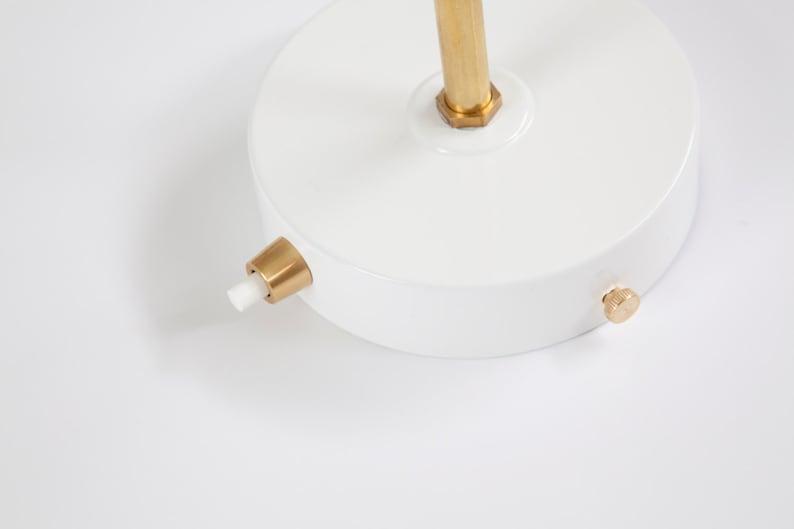 Applique da parete con portalampada in ceramica bianca e etsy