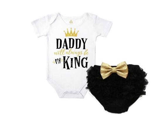 """Bébé fille gris t shirt avec /""""daddy/'s little lady /'détail"""