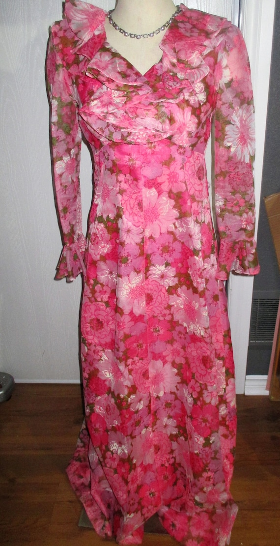 Vintage  1960's Bright Floral Chiffon Embossed Max