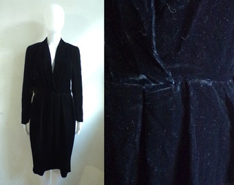 70s black velvet dress size small / medium, black crushed velvet party dress, 1970s minimalist sheath dress