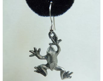 90s frog earrings, silver metal animal earrings, 1990s drop dangle amphibian earrings, vintage earrings, costume jewelry