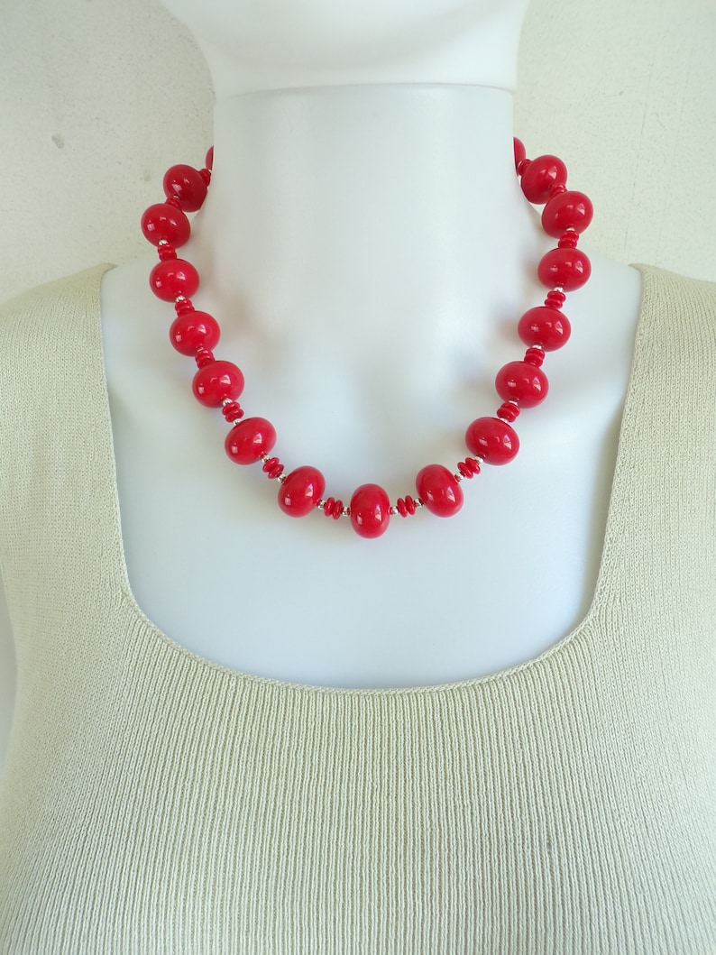 1970s Costume Jewelry Jewellery Vintage Chunky Beaded Necklace 70s Red /& Silver Round Acrylic Bead Retro Statement Necklace