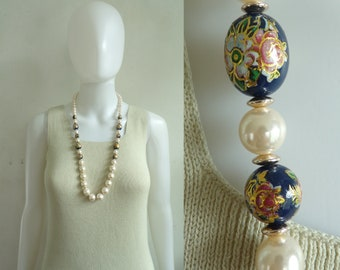 faux pearl necklace chunky floral bead ivory & blue beaded 1970s vintage 70s necklace costume jewelry jewellery