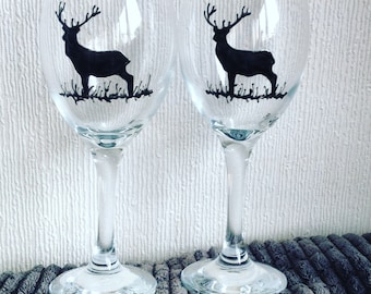 1 Stag Wine Glass / Hand Painted / Unique Gift / Personalised / Scotland/ Red Deer/ Scottish Wildlife / Glassware / Glass Art