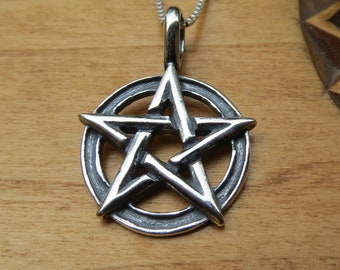 Suvani Jewelry 925 Sterling Silver 19 mm Pentagram Pentacle Star Amulet Protective Pendant Necklace 18