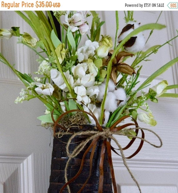 ChristmasInJulySale Primitive Black Hanging Basket with Rusty Tin Bow and White Wildflowers and Cotton Pods; Rustic Country Decor; Everyday