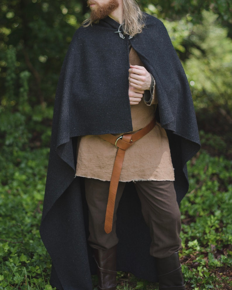 Northman Wool Viking Cloak with Brooch QzpB5Iqh