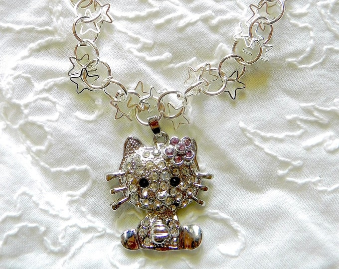 Hello Kitty Charm Bracelet, Silver Kitty and Chain. Perfect gift for Young Girls/teens