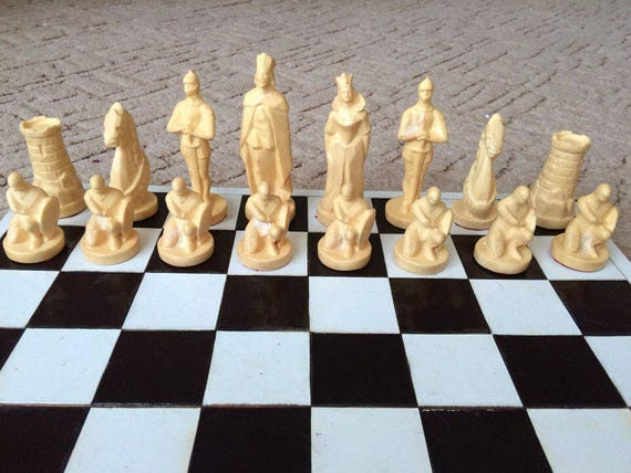 King Size 10cm Chess Piece Complete Set Plastic New