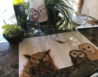 Placemat Set with Wine Glass Shade Owl design