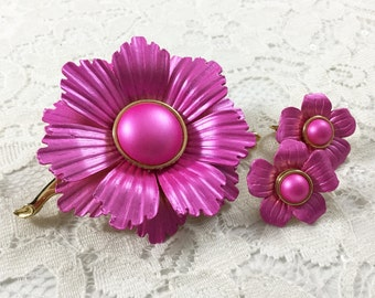 Midcentury Vibrant Hot Pink MOD Flower Set