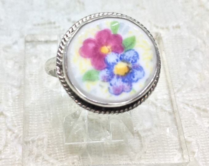 Broken China Jewelry/ Floral Cabachon/ Sterling Silver/ 925 ring/  Size 7/ Broken China Ring