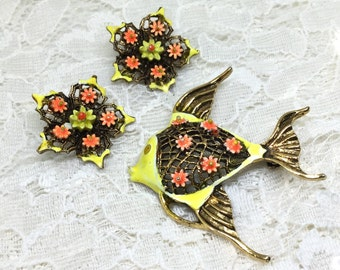 Vintage ART Signed Yellow Enamel Flower Fish Brooch Earring Set