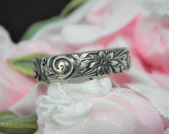 Sterling Ring/ Handcrafted Ring/ Swirl Pattern/ Daisy Pattern/ Stacking/Flower Ring