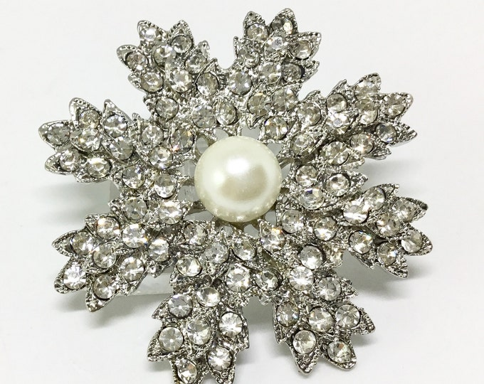 Wedding Flower/Bridal Brooch Pin/For Crafting/Vintage Inspired/Wedding Bouquet/Sparkly Clear Rhinestones/Large Center Faux Pearl