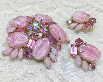 Rare Vintage WEISS Pink Rhinestones and Carved Leaves Brooch Earring Set