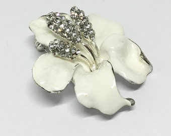 Hibiscus Flower Brooch/Wedding Brooch/Vintage Inspired/Brooch Bouquet/Clear Rhinestone Center/White Enamel/Bridal Craft/Wedding Jewelry/