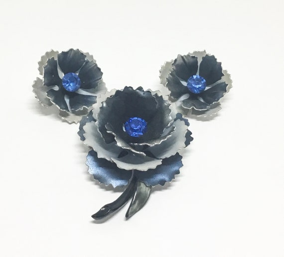 Vintage CORO Flower Brooch Set, Brooch and Earrings, Shades of Gray Petals, Blue Rhinestone Center, CORO Collectors