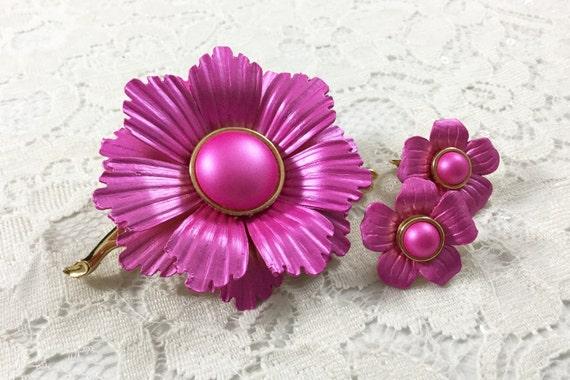 Midcentury Vibrant Hot Pink MOD Flower Set