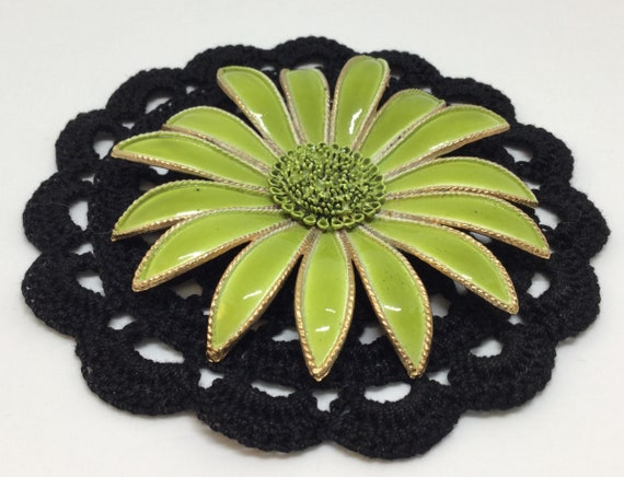 Gerber Daisy Flower/ Large Flower/Metal Flower/VintageBrooch Pin/Vibrant Green Flower/