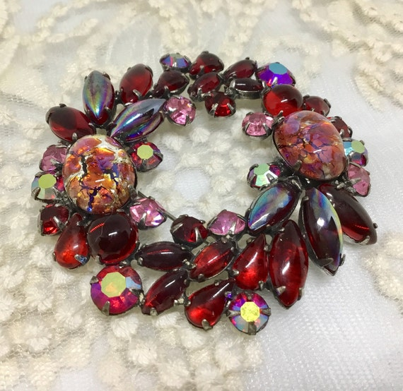 Vintage D&E Juliana Large Rhinestone Cabachon Wreath Brooch Pin