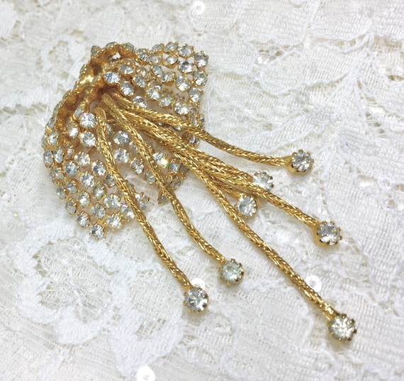 Vintage Clear Rhinestone and Goldtone Chain Dangles Brooch