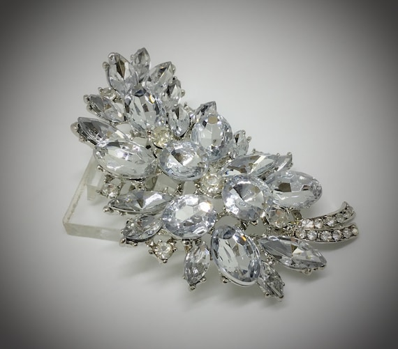 Wedding Flower Brooch/For Crafts/Bridal/Wedding Bouquet/Vintage Inspired/Sparkly Clear Rhinestones/Brooch Pictures/DIY Crafts